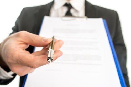 עורך דין מגיש שטר חוב